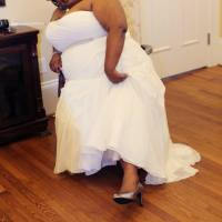 bykStyle | Say Yes To The {Plus Sized} Dress: The Truth About Curvy Wedding Dress Shopping